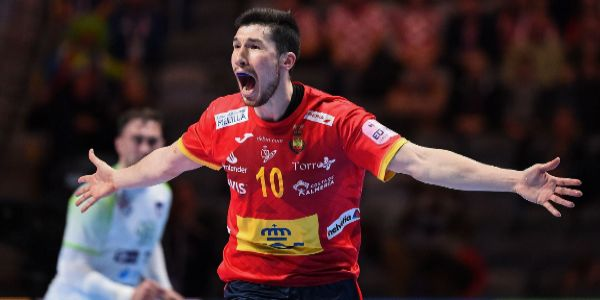 Alex Dujshebaev celebra el gol decisivo, este domingo.