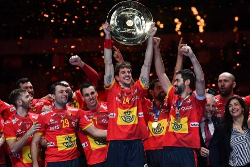 España eterna: levanta su segundo Europeo seguido por otro gol de Dujshebaev