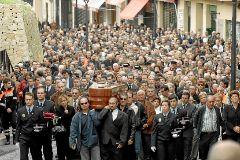 Multitudinario entierro del acalde de Polop tras ser asesinado en 2007.