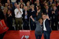 Susana Díaz y Pedro Sánchez, en un acto electoral el pasado mes de noviembre.