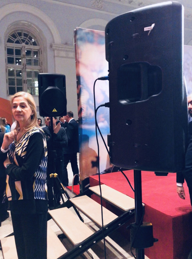 La Infanta Cristina, en la exposición de Dalí en Moscú.