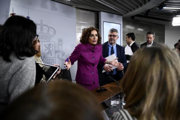 La portavoz del Gobierno, María Jesús Montero, este martes, tras la...