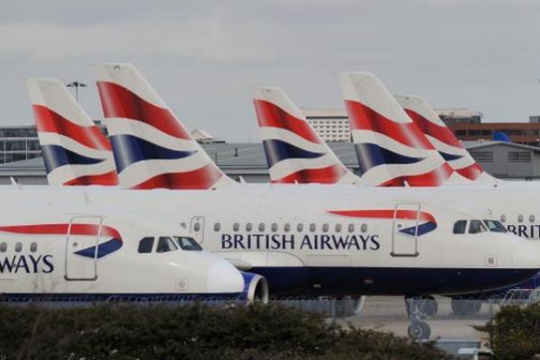 Los aviones de British Airways están en tierra en el aeropuerto de Heathrow.