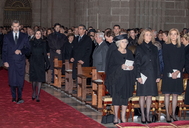 Los Reyes hacen su entrada en la basílica de El Escorial.