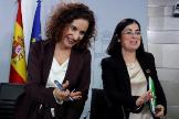 La ministra de Hacienda y portavoz del Gobierno, María Jesús Montero, y la responsable de Función Pública, Carolina Darias.