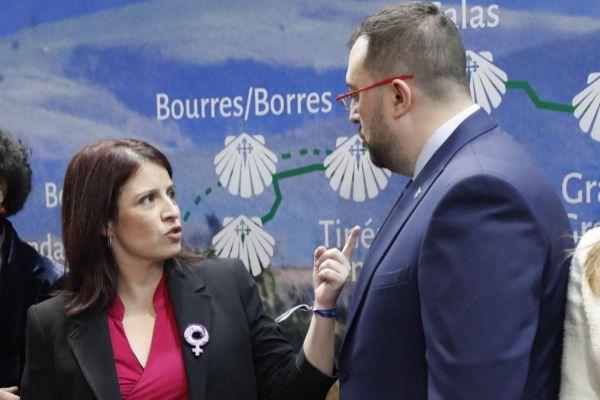 La vicesecretaria general del PSOE, Adriana Lastra, y el presidente...