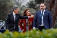 José Luis Ábalos, con Carmen Calvo y Pedro Saura este jueves en Madrid.
