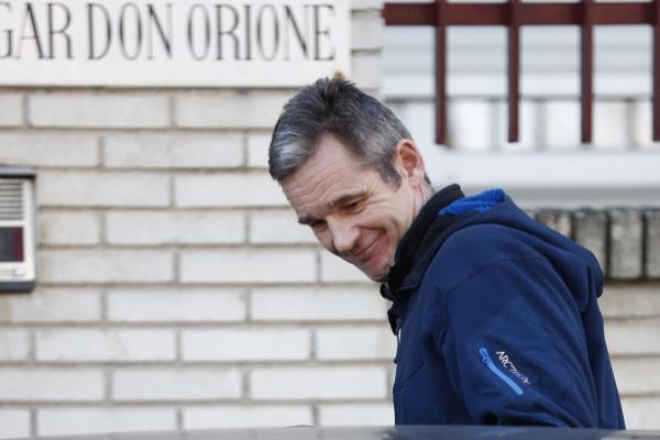 Iñaki Urdangarin a su llegada al Hogar de Don Orione donde realiza el voluntariado