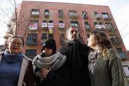 Juana, Ingrid, Sergi y Emma, vecinos afectados por la subida del alquiler.