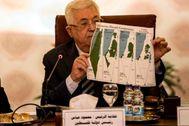 Mahmoud Abas con un mapa antiguo de Palestina.