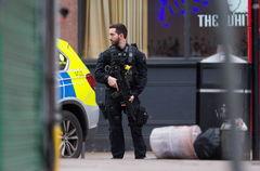 La policía abate en Londres a un hombre que apuñaló  a dos personas
