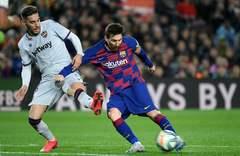 Messi, junto a Rochina, en el Camp Nou.