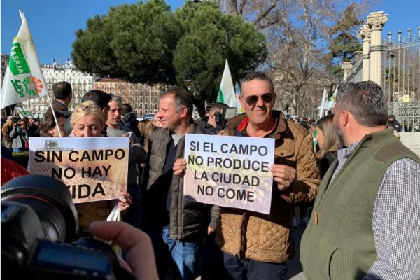 Ganaderos y agricultores este miércoles en Madrid.