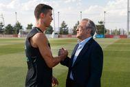 Cristiano Ronaldo y Florentino Pérez, durante un entrenamiento del Real Madrid.