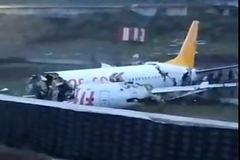Captura del vídeo que circula en redes sociales del avión.