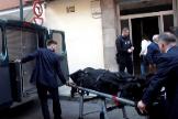 Levantamiento del cadáver de la mujer asesinada en Gijón.