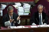 Los fiscales Javier Zaragoza (izqda.) y Jaime Moreno, en un momento del juicio al 'procés', celebrado en el Tribunal Supremo.