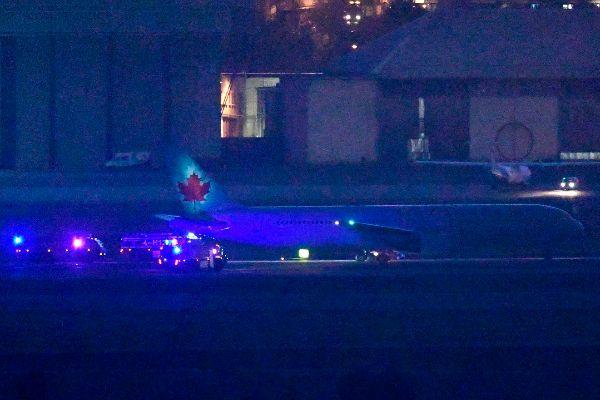 El Boeing de Air Canada, tras aterrizar el lunes en Barajas.