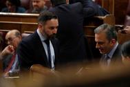 Santiago Abascal y Javier Ortega Smith, en un Pleno del Congreso.