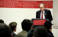 """Quim Torra, en su conferencia sobre """"derechos civiles y autodeterminación"""" en la Universidad de Stanford. EFE / GENERALITAT DE CATALUNYA"""