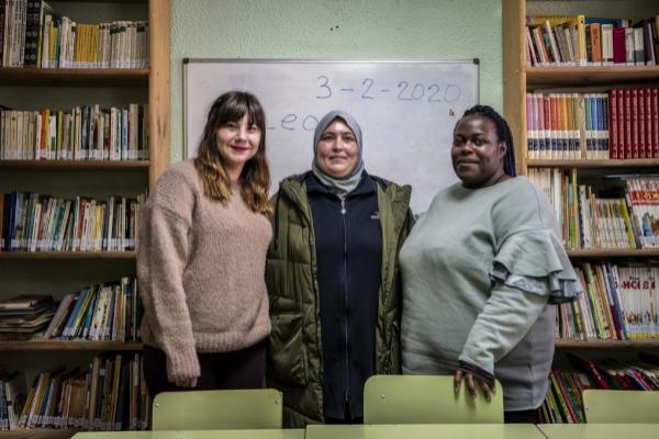 Elena Nunez, Zakia Elkhamlichi y Raquel Alvarez, del Proyecto de...