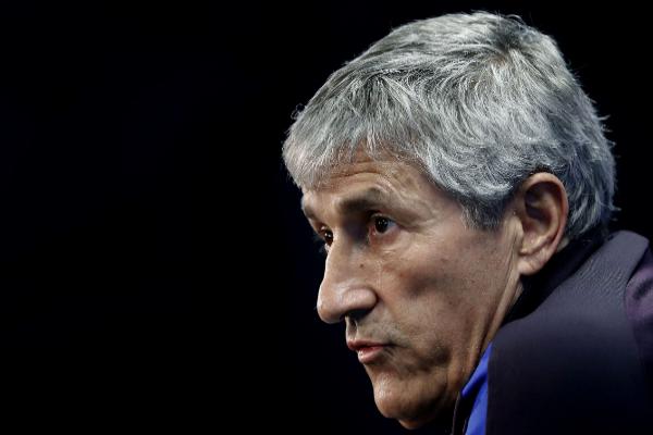 GRAF7030. BARCELONA.- El entrenador del Barcelona, lt;HIT gt;Quique...