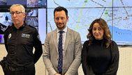 El alcalde de Ibiza, Rafa Ruiz, con el responsable de la Policía Local y la concejala de Seguridad. AY. IBIZA