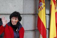GRAF3784. MADRID.- La ministra de Educación, Isabel lt;HIT gt;Celaá lt;/HIT gt; a su llegada este lunes a la sesión solemne de la apertura de la XIV Legislatura.