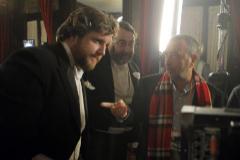 David Gistau con Garci y Pedro G. Cuartango (centro) en el rodaje de 'Holmes&Watson. Madrid Days'