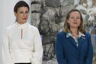 Yolanda Díaz, ministra de Trabajo, y Nadia Calviño, responsable de Economía en la firma del acuerdo sobre el SMI el pasado mes de enero.