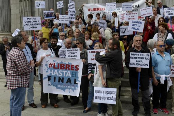 Manifestación frente al Congreso a favor de la despenalización de la...