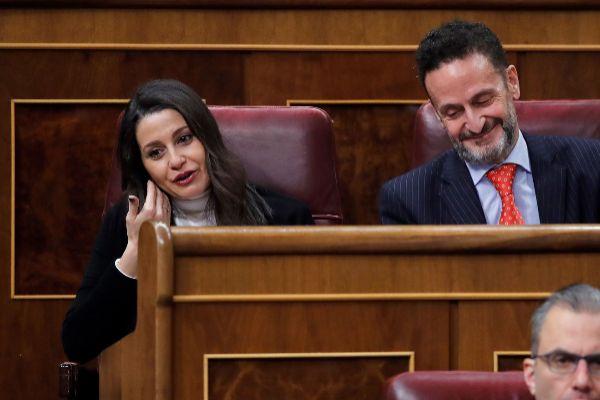 Inés Arrimadas, junto a su portavoz adjunto, Edmundo Bal, durante la...