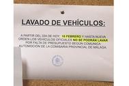 Cartel colocado en el tablón de anuncios de la Comisaría de Estepona.