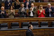 José Luis Ábalos, aplaudido por la bancada socialista tras su intervención.
