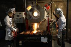 Fundición a 1.200ºC para obtener niobio y tántalo en el CENIM.