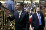Pedro Sánchez y José Luis Ábalos, en el pleno del martes en el Congreso.