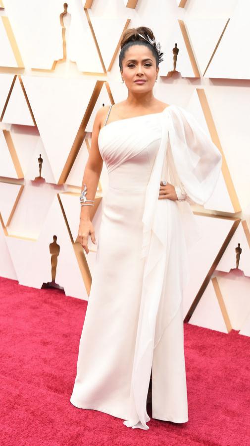 Salma Hayek con vestido blanco de Gucci