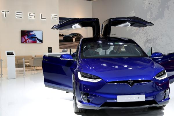 Tesla llama a revisión a 15.000 Model X por un problema en la dirección asistida