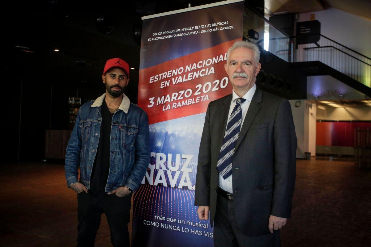 El director artístico Sergio Alcover y el productor Gonzalo Pérez Pastor, durante la presentación.