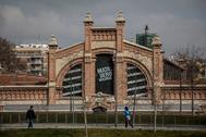Fachada principal del espacio Matadero, en Madrid