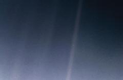'Un punto azul pálido': historia del selfi de la Tierra que encargó Carl Sagan