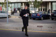 El ex ministro y expresidente de la Generalitat Valenciana, Eduardo Zaplana, acude al juzgado de guardia a firmar en diciembre de 2019