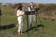 Los Reyes haciendo 'bird watching' en el Parque Nacional de Doñana
