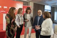 Maider Etxebarria, Cristina González, Idoia Mendia, Txarli Prieto y María Jesús San José en Vitoria.