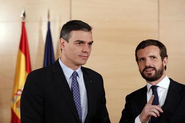 Reunión en el Congreso entre Pedro Sánchez y Pablo Casado en el marco de la ronda de contactos previa a la investidura