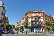 Guía definitiva para disfrutar del barrio de Triana, la esencia de Sevilla