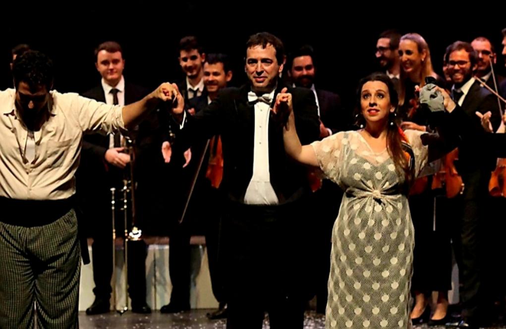 El elixir carísimo del hermano del presidente y su ópera en Badajoz