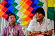 El ex presidente de Bolivia, Evo Morales, junto al candidato del MAS, Luis Arce.