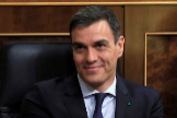 GRAF2577. MADRID.- El presidente del Gobierno lt;HIT gt;Pedro lt;/HIT gt; lt;HIT gt;Sánchez lt;/HIT gt; (i), y la vicepresidenta primera, Carmen Calvo, durante el pleno celebrado, este martes, en el Congreso de los Diputados de Madrid.