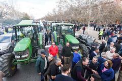Una multitudinaria tractorada ha partido de la zona Norte de Granada.
